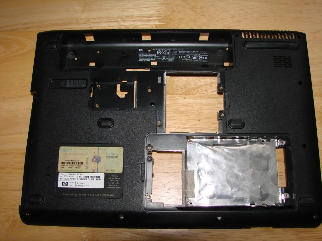 HP DV9500 Bottom Base Plastic Cover